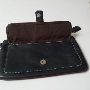 Bag wristlet